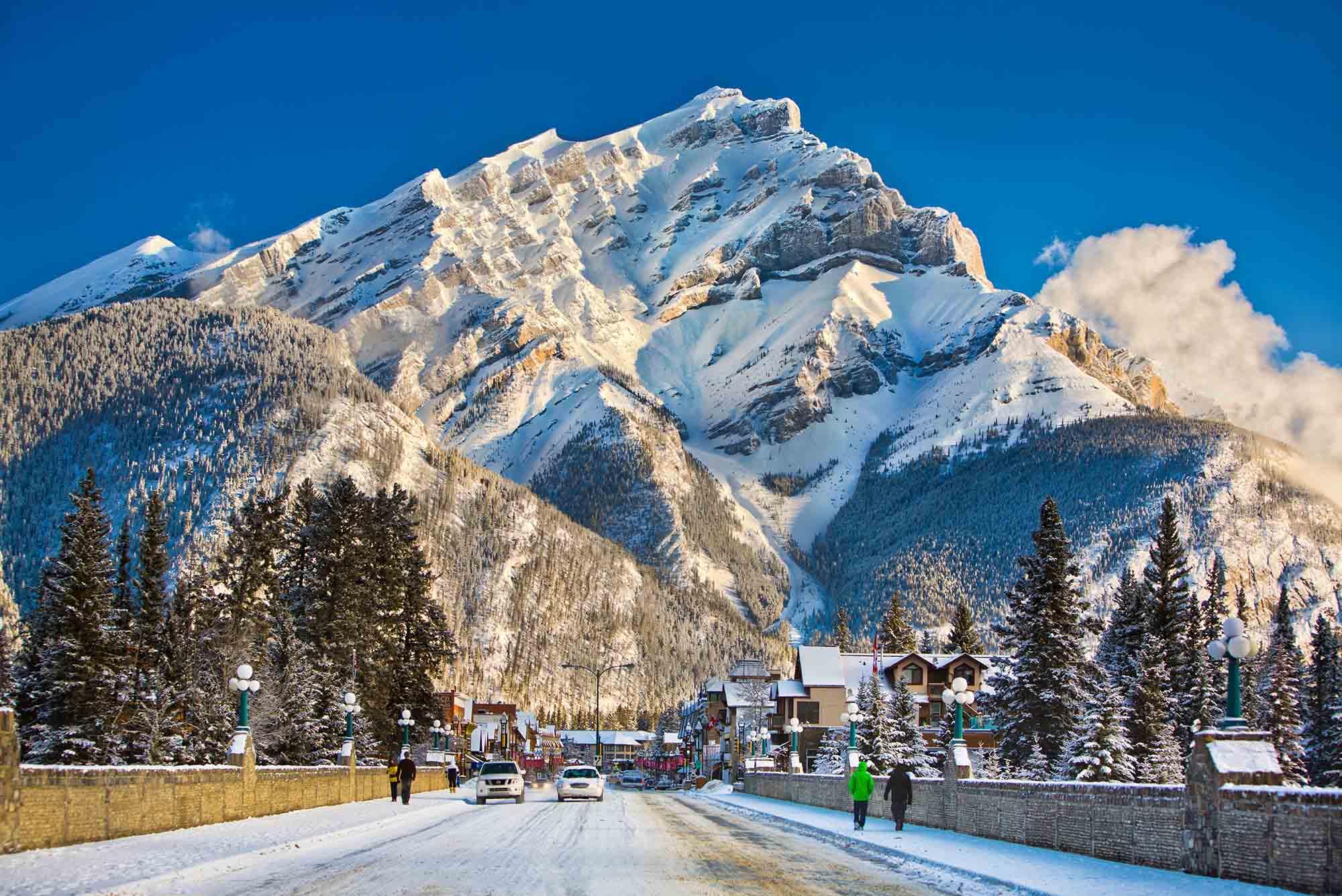 Banff & Lake Louise Tourism / Paul Zizka Photography