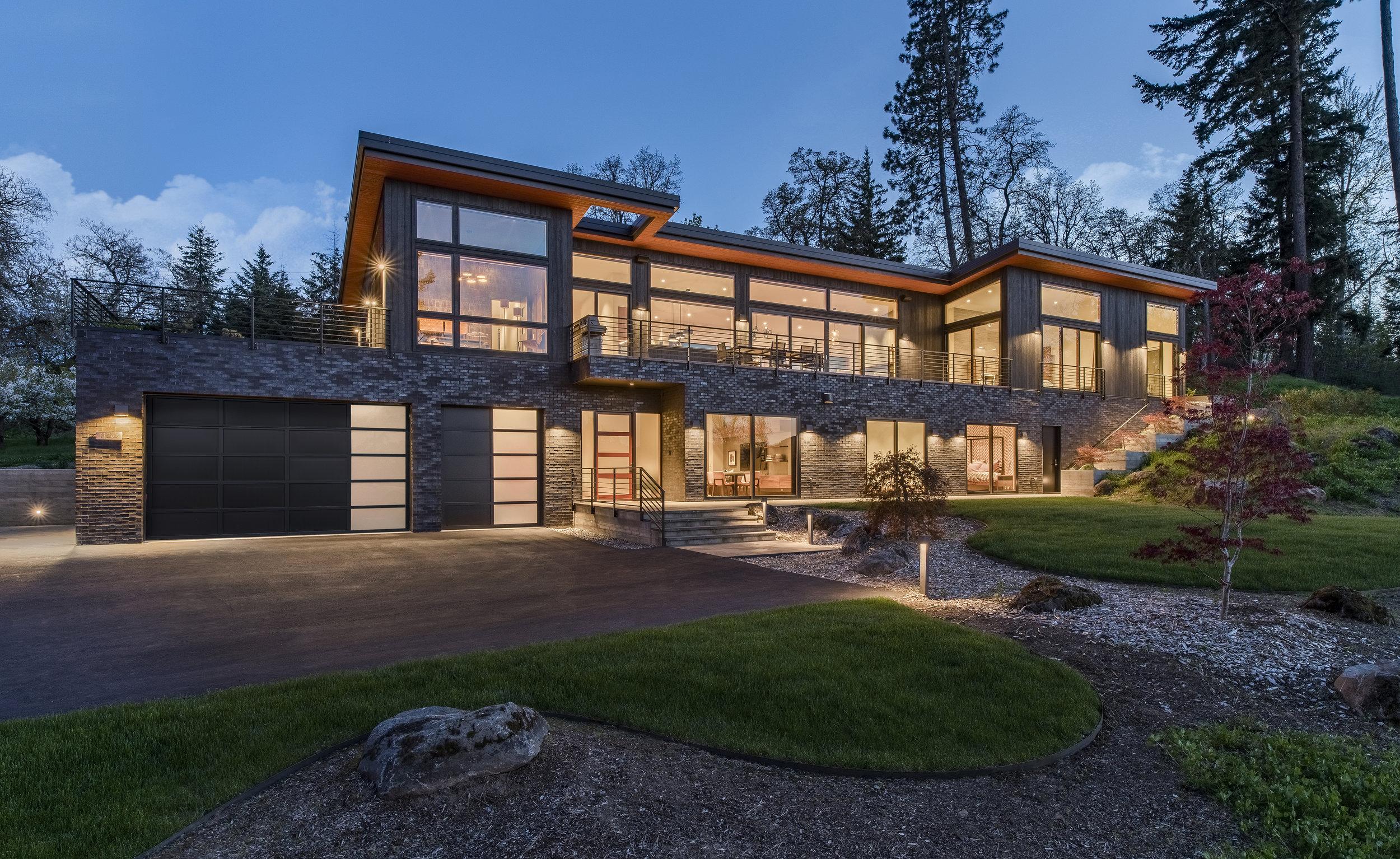 a modern retreat - Hood River Residence