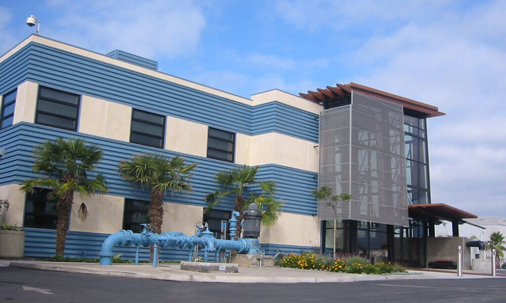 Oxnard Water District - Oxnard, CA (while @ Li & Associates)Structural design of this two story structural steel office building addition and a lobby with sloping glass wall and glu-lam columns braced with steel tensions rods.