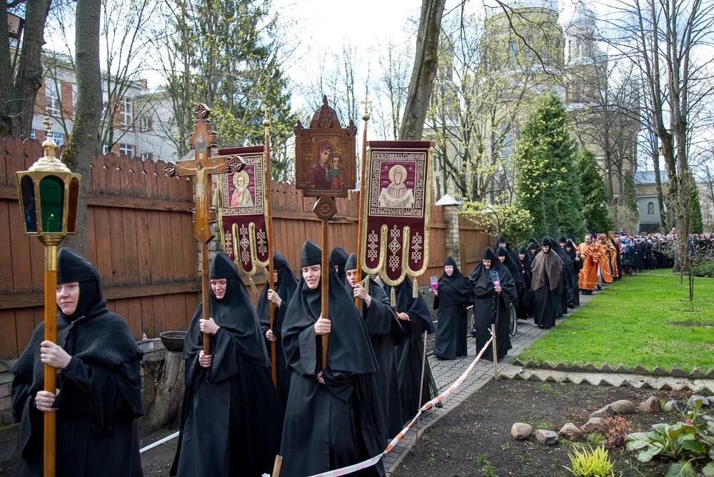 Icon procession at the Riga convent, 2017.