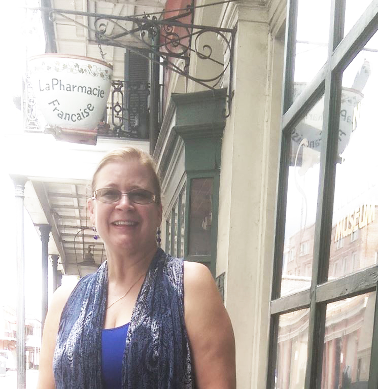 Stacy Allen, my partner in crime for the Haunted History hour and the New Orleans Pharmacy Museum tour. Stacy and I are treasure hunt sisters, and I'm envious that she's a diver so her treasure hunt thrillers feature underwater treasures!