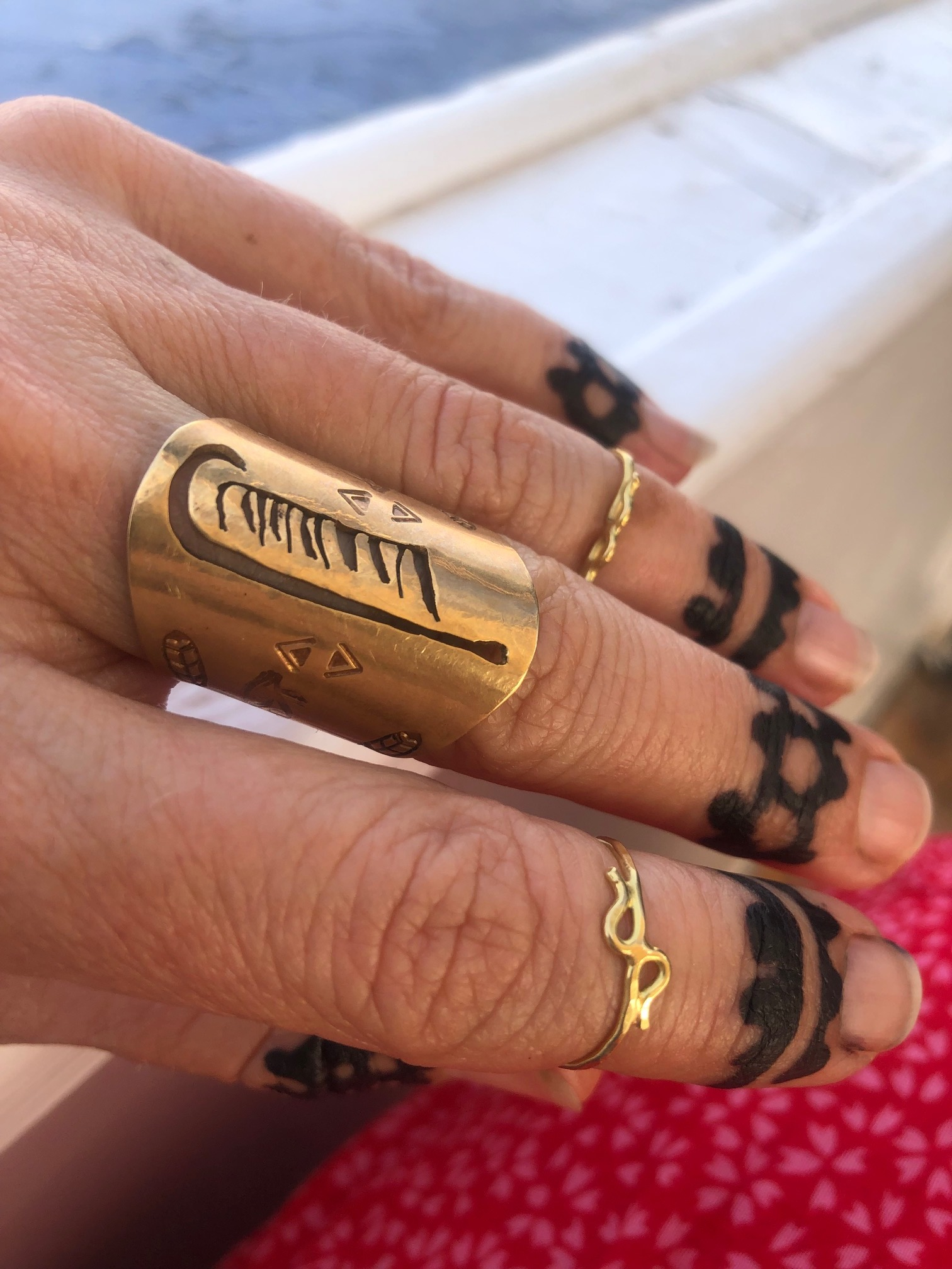 Henna from Nubain village depicting the feather of Ma'at ring $77.00