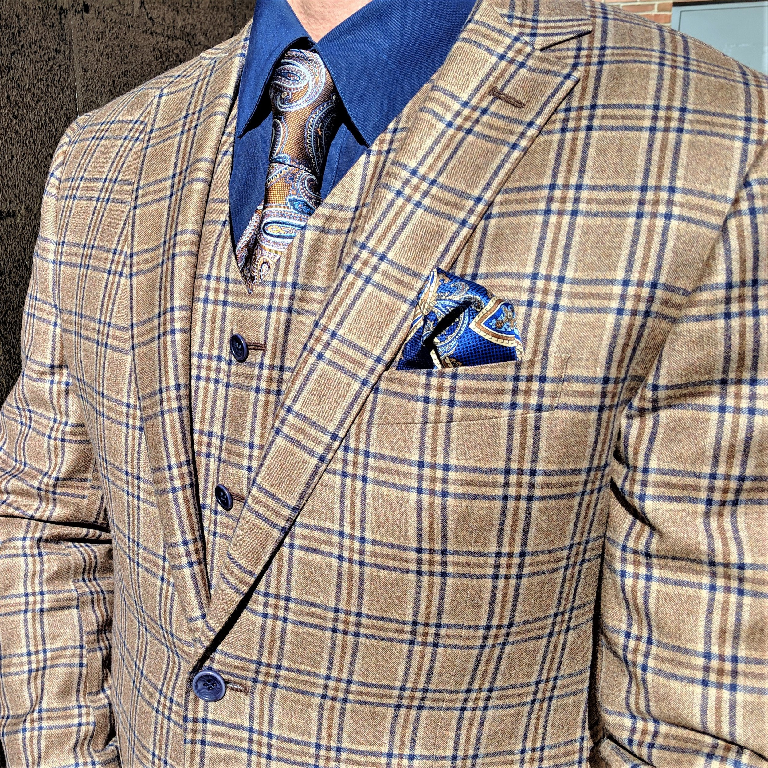 troy's suit 2 (2019_04_09 01_49_28 UTC).jpg