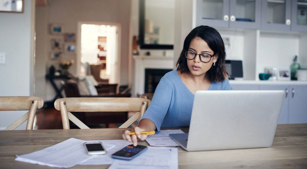woman-at-computer-creating-a-business-budget-1024x565.jpg