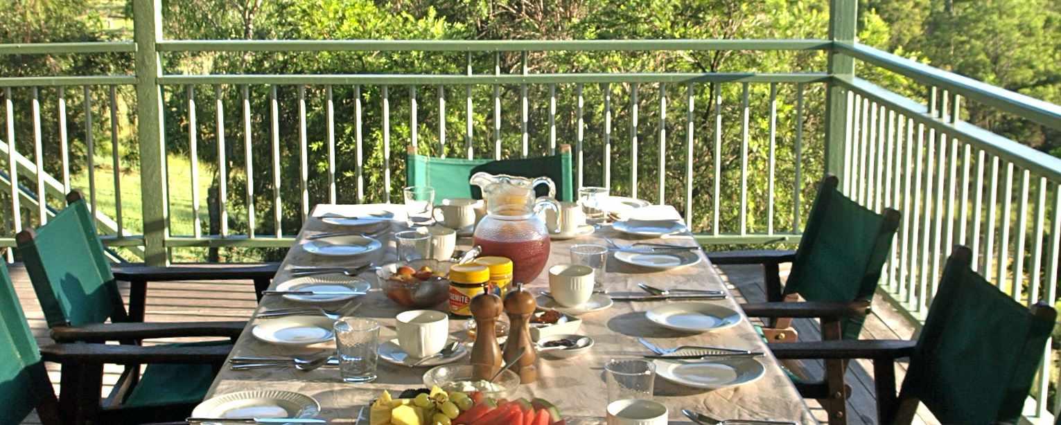 Landing-slider-breakfast-table.jpg