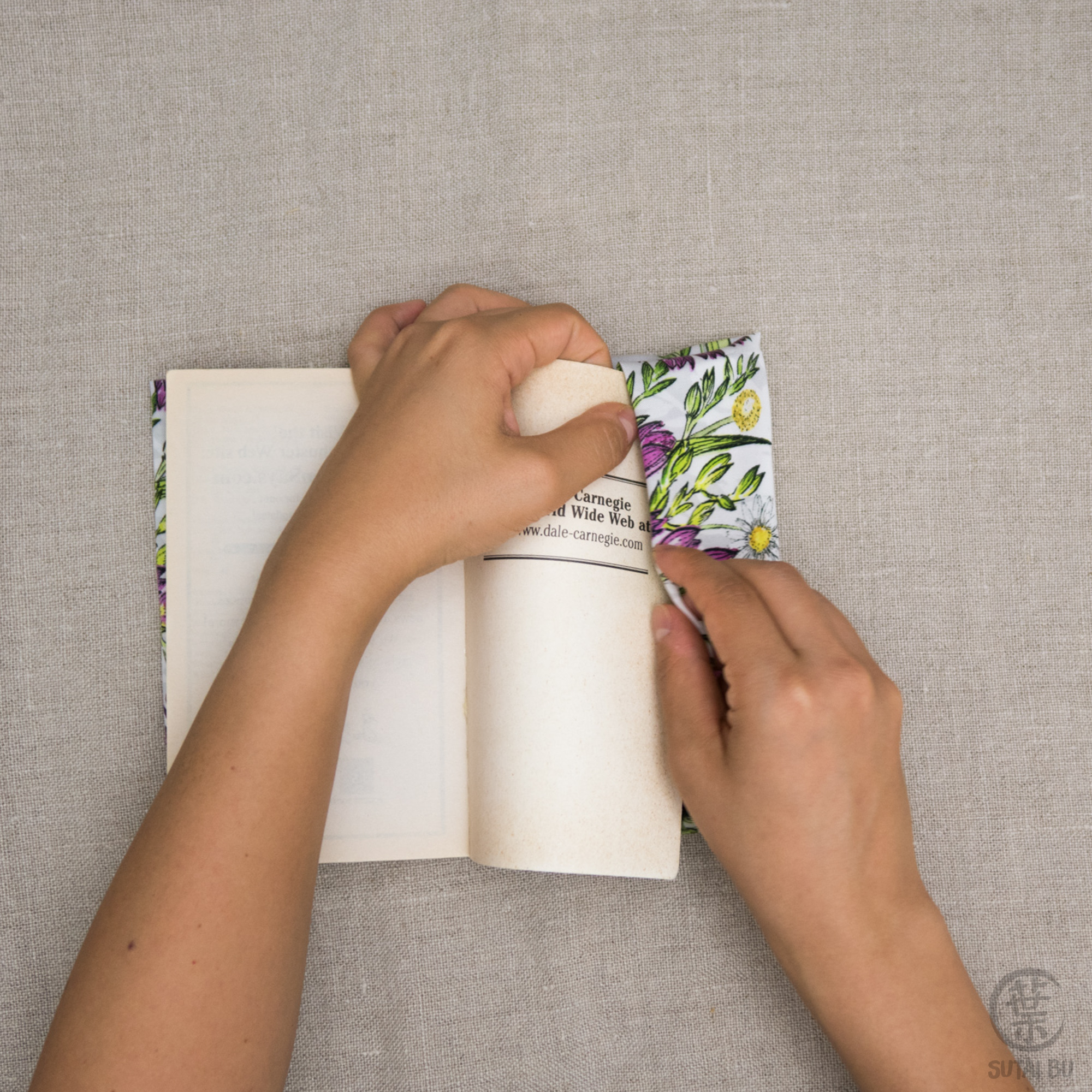 BookWrap-stepbystep-30.jpg