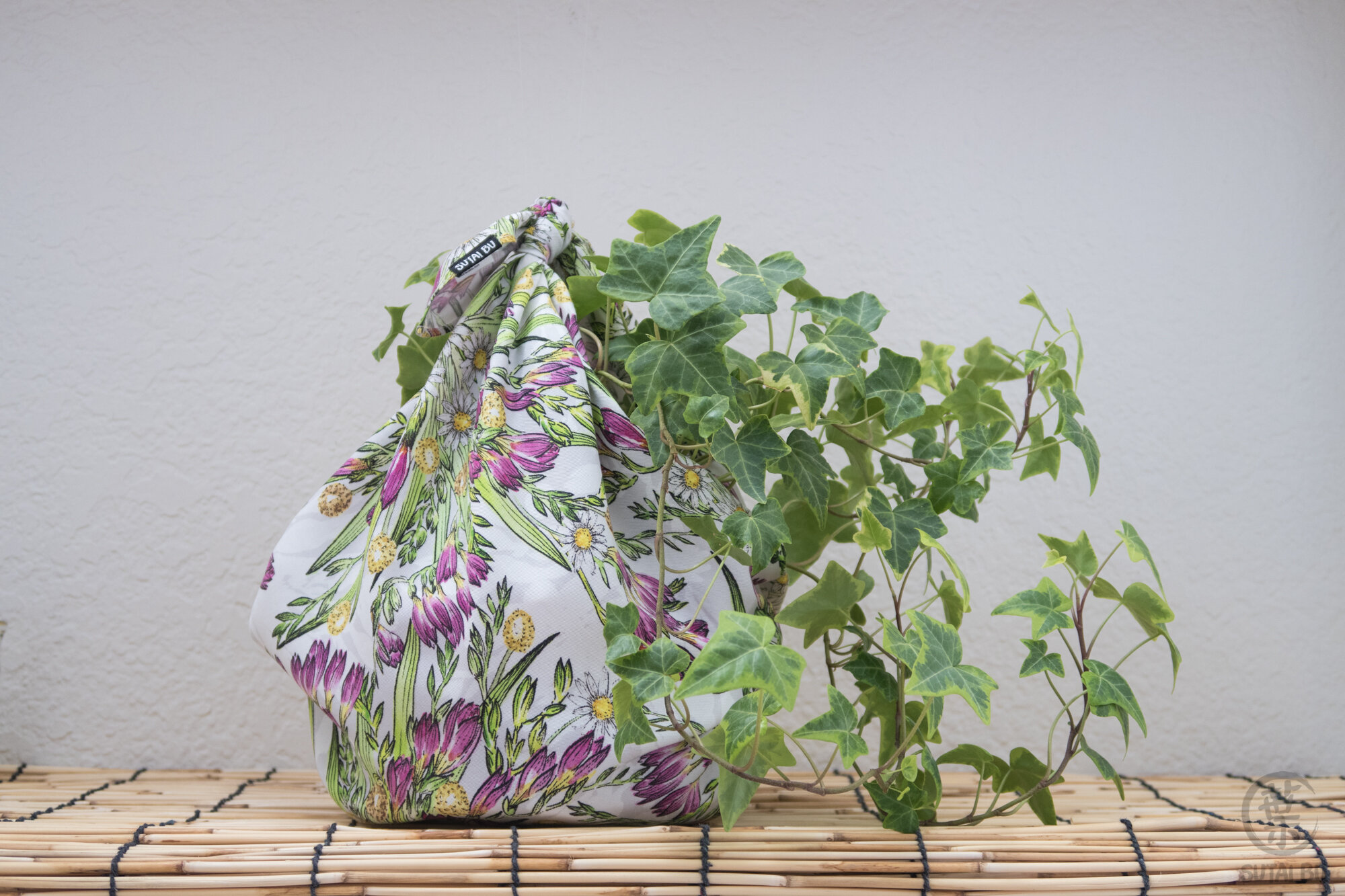 furoshiki-wrapping-cloth-freesia