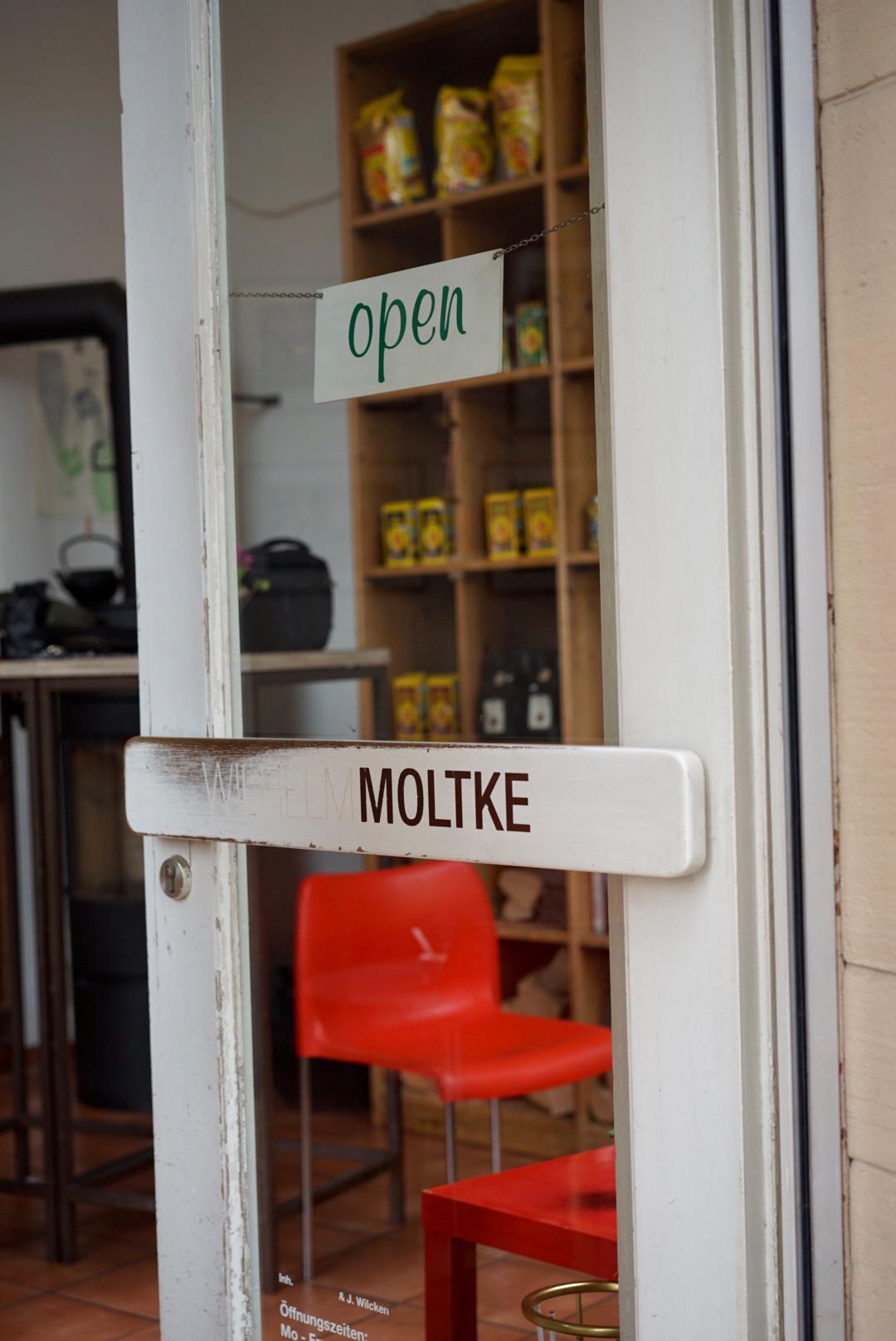 Öffnungszeiten: - Mo – Fr, 8:00 – 18:00Sa, 10:00 – 18:00Sonntagsvon 1. Mai bis 1. Oktober: geschlossenSonntagsvon 1. Oktober bis 1. Mai: 11:00 - 18:00Feiertag geschlossen