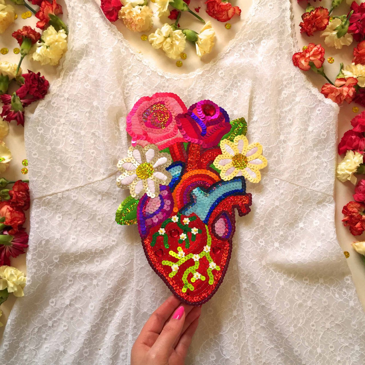 embroidered anatomical heart in bloom, 2016, Sophie King