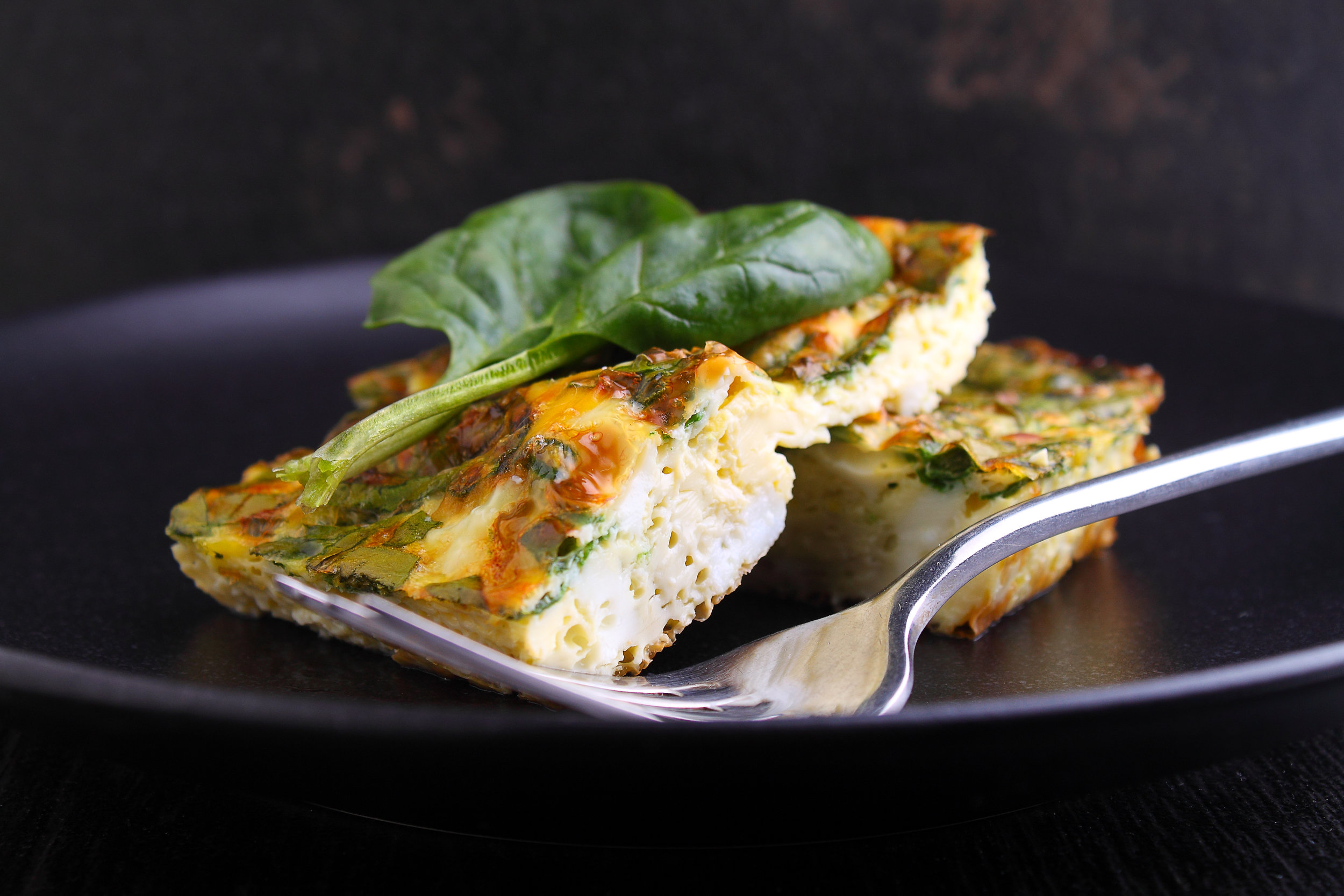 Tuna frittata - A super-simple crowd pleaser.Serve hot straight from the oven, let it cool to room temperature, or chill and slice for a family gathering. It makes for an easy family meal or perfect picnic and party food.Add an extra tin of drained tuna for more protein and healthy omega-3.