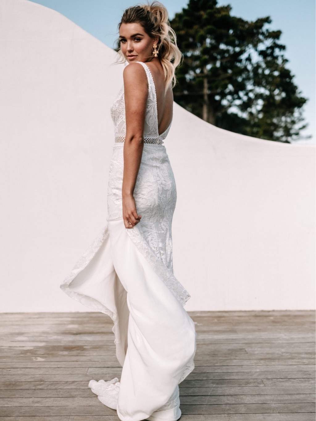 Jane Hill - PRICE RANGE: $2800-$6500MODERN ROMANCE WITH A LUXE TWIST.A leading figure in the Australian bridalindustry, Jane Hill's handmade gownsare impeccably made and havethe most incredible fit and feel.