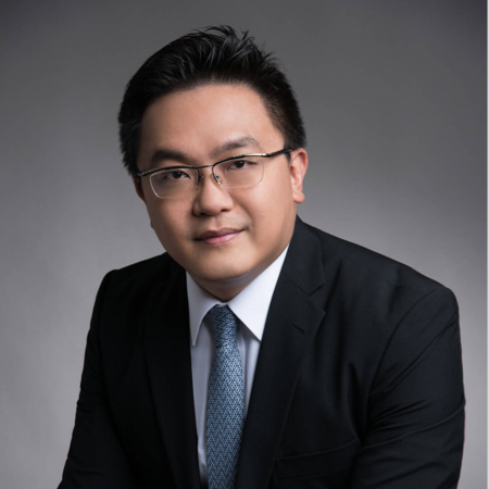 Simon AuYeung   17+ years of experience in financial industry. Former North East Asia Head of Compliance at Ant Financial; Held senior positions at HSBC, BNP Paribas and Morgan Stanley; Ex-officer at Hong Kong Securities & Futures Commission.