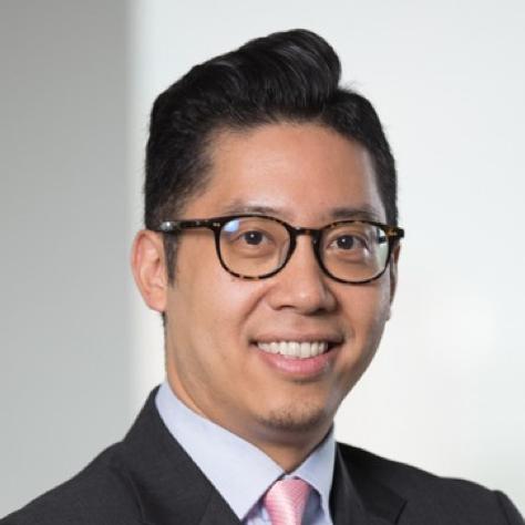 Alexander Lee   拥有15年以上金融市场经验。曾担任多家香港主板及創業板上市公司的管理层及董事会成员,包括香港首家主板区块链业务上市公司BC GROUP(0863.HK)。在协助高增长企业加速扩展,增加市场份额,渗透新市场和并购退出方面及资本市场领域积累广泛的经验。