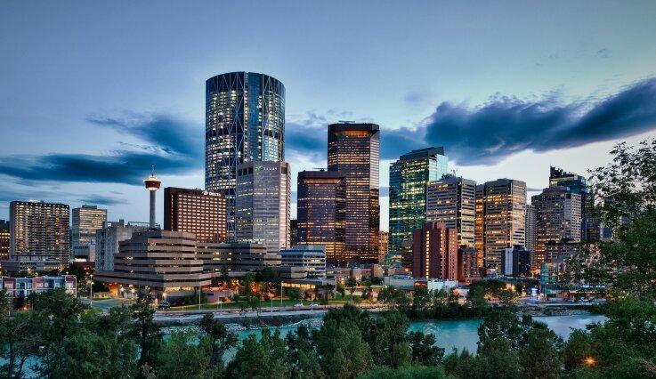 Calgary-Skyline-w.-Vignette_737x426_acf_cropped.jpg