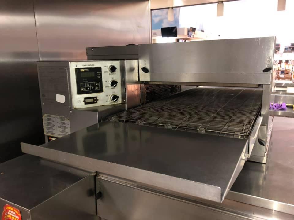 Pizza Restaurant Conveyor Oven Clean
