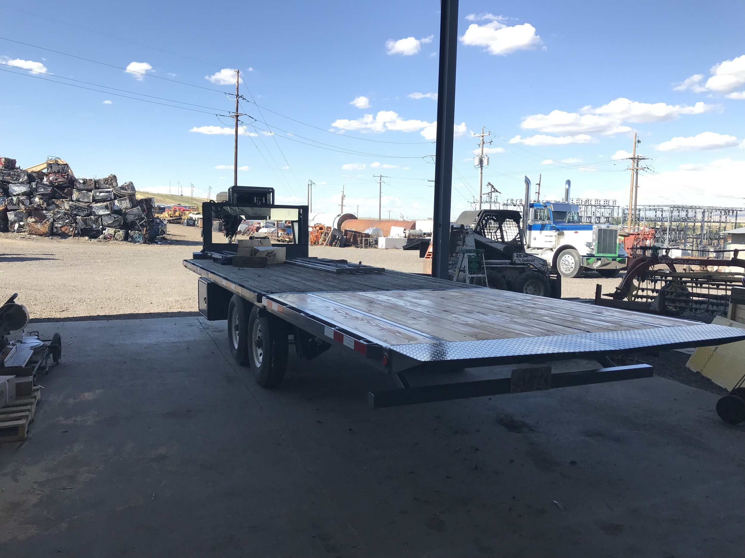 Custom load trailer