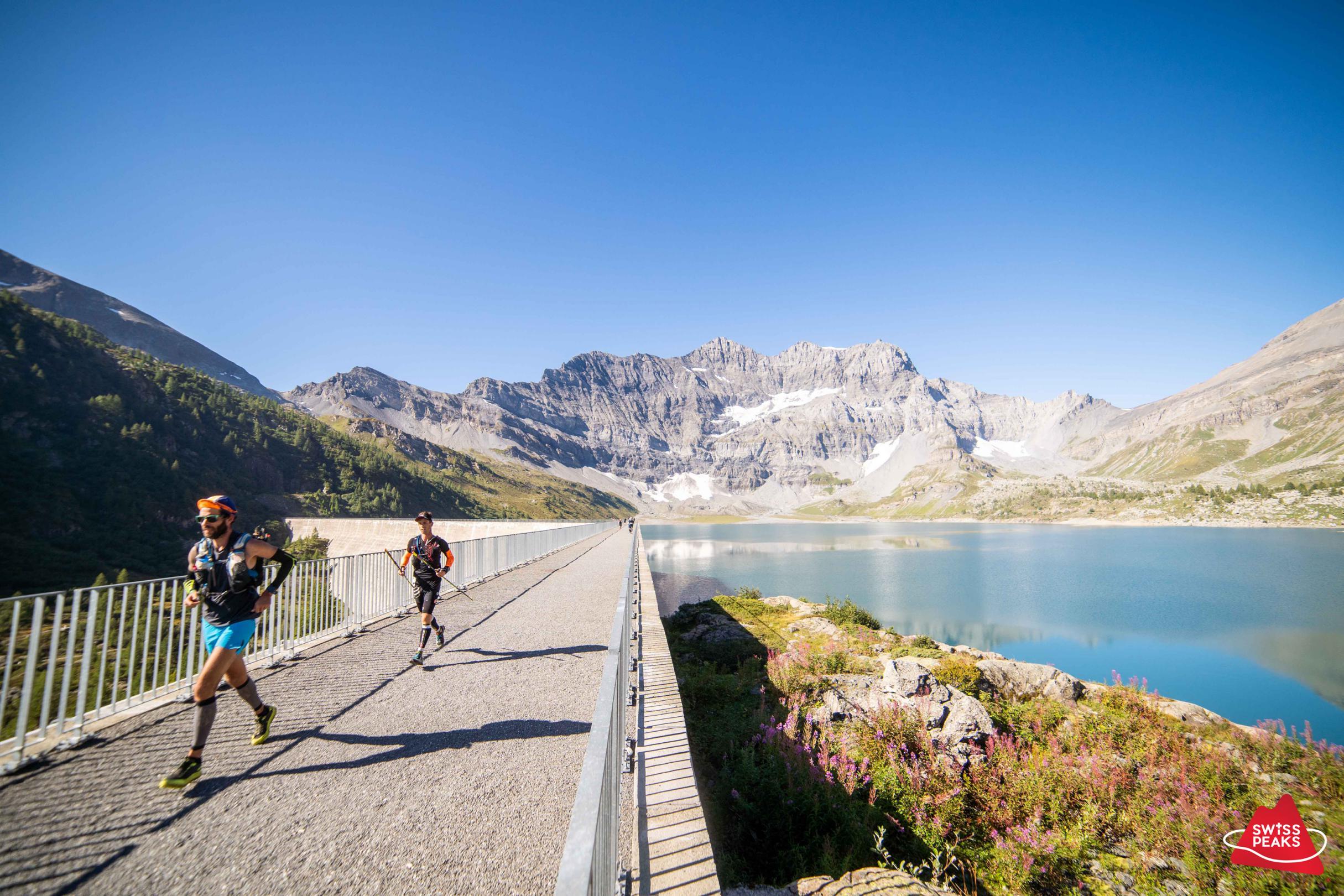 SwissPeaks Trail_Barrage Coureurs.jpg