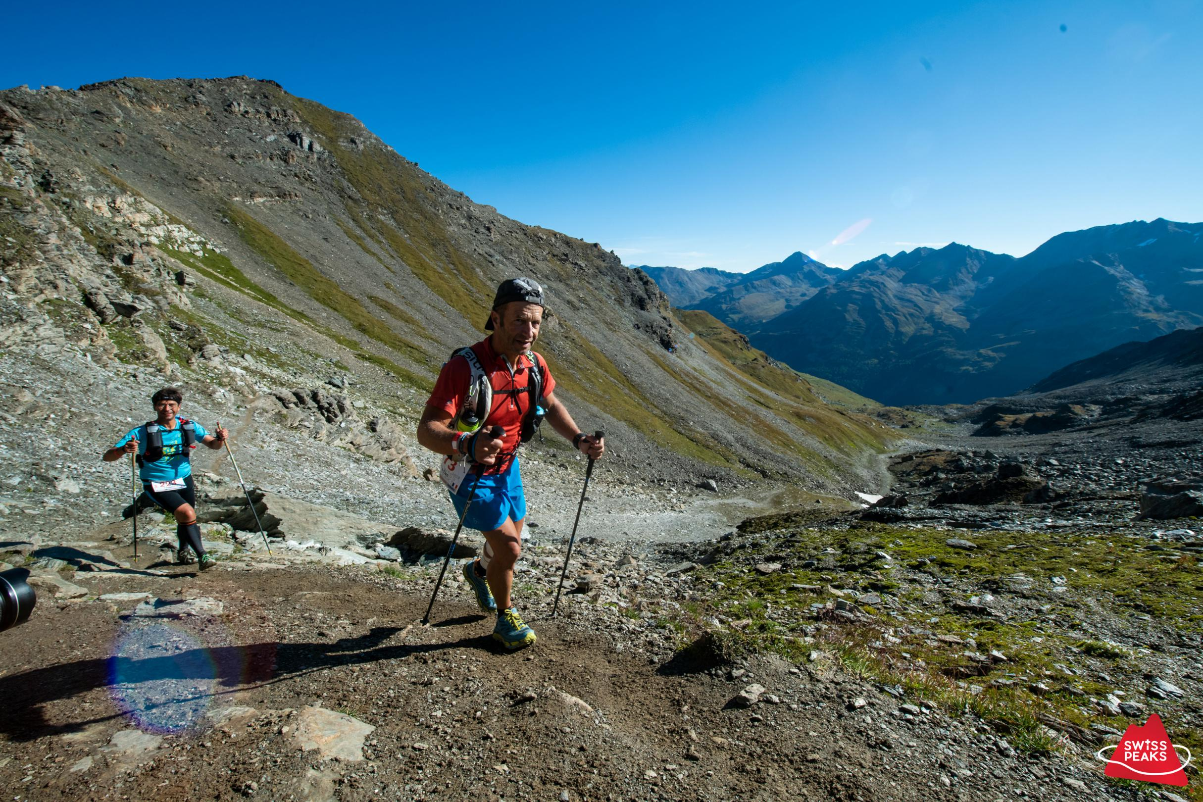SwissPeaks Trail_Coureurs montant.jpg