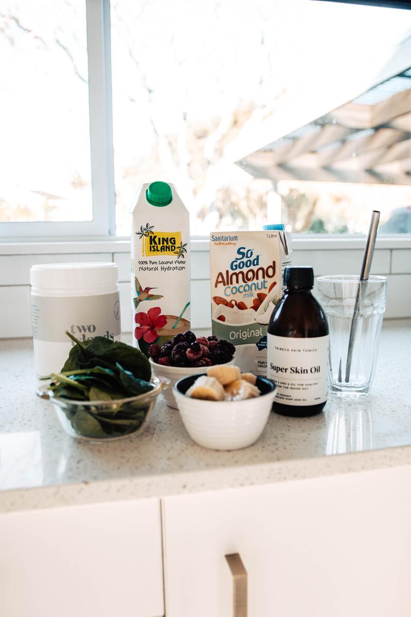 hemp-seed-smoothie-ingredients.png