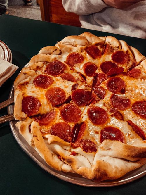ashowen-best-food-lake-tahoe-pizza-2019.png