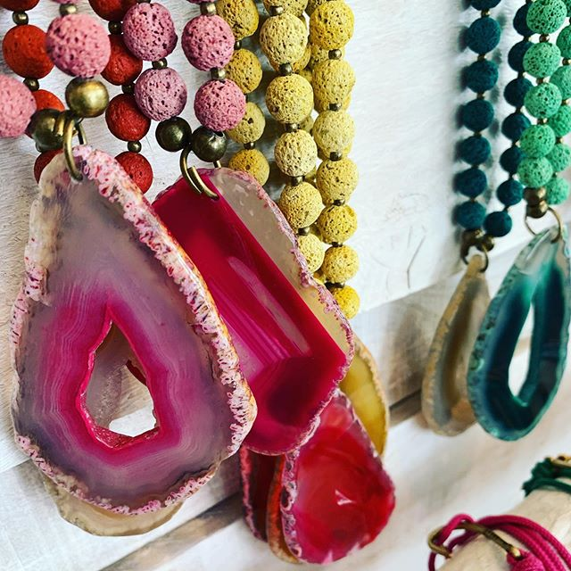 Mas @bantu.alicante ya en la tienda #collar #piedrapreciosa #artesenia #diseñoespañol #aguamarga #aguaamarga #cabodegata