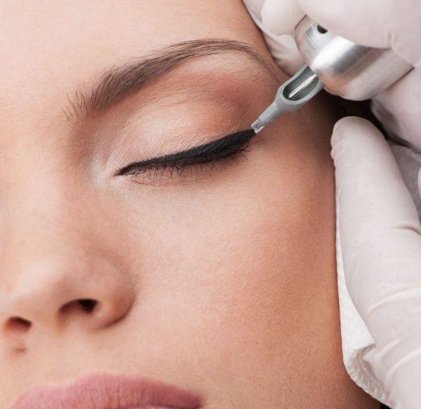 c59b4106413e1e1310ff46d7697c3847-permanent-tattoo-eyeliner-tattooed-eyeliner-e1516207394105-600x584.jpg