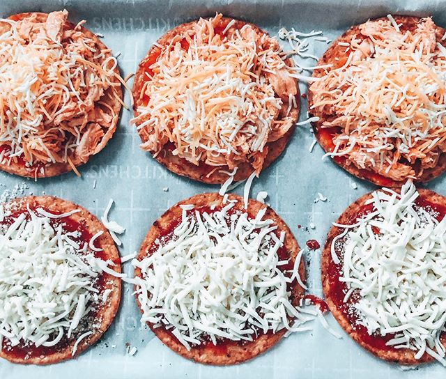 Want to know what I like better than pizza? 🍕 . . . Not much. . . These are getting popped in the oven using @outeraislegourmet cauliflower sandwich thins. On deck we have classic cheese and buffalo chicken (that I made in the instant pot this morn).