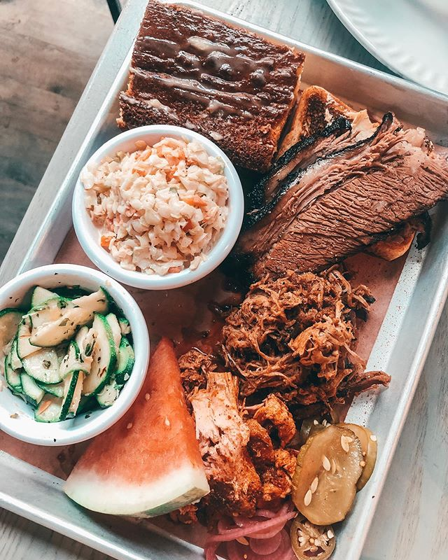 Alexa how many calories is the Pit Master BBQ plate?🐖