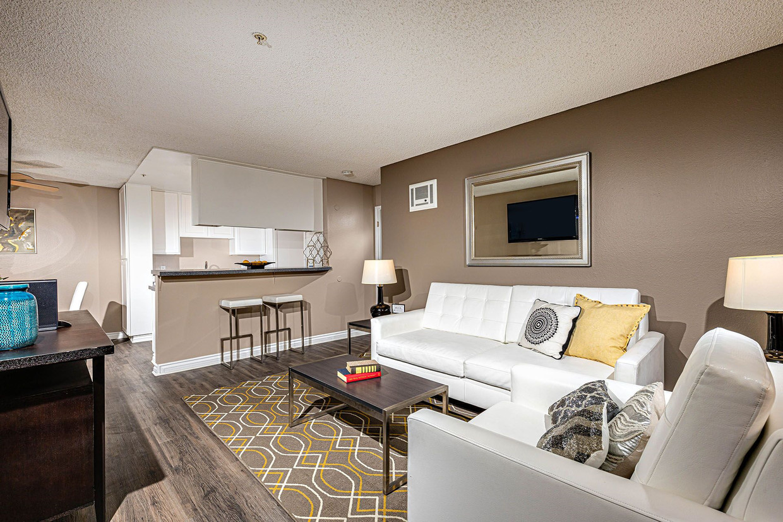 mariposa-apartment-homes-vista-ca-building-photo (3).jpg