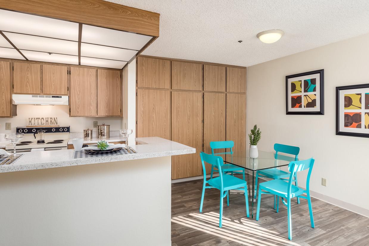 pepperwood-apartments-vista-ca-dining-room.jpg