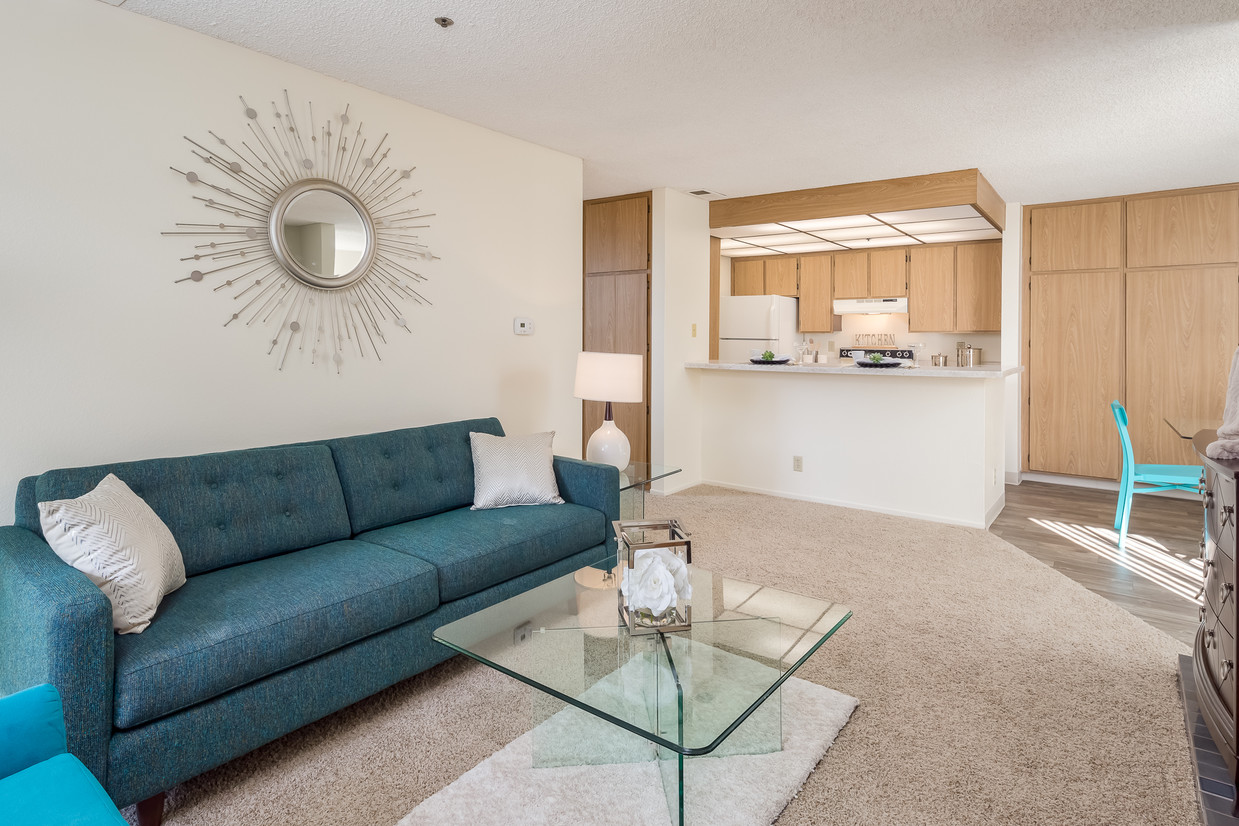 pepperwood-apartments-vista-ca-living-room.jpg