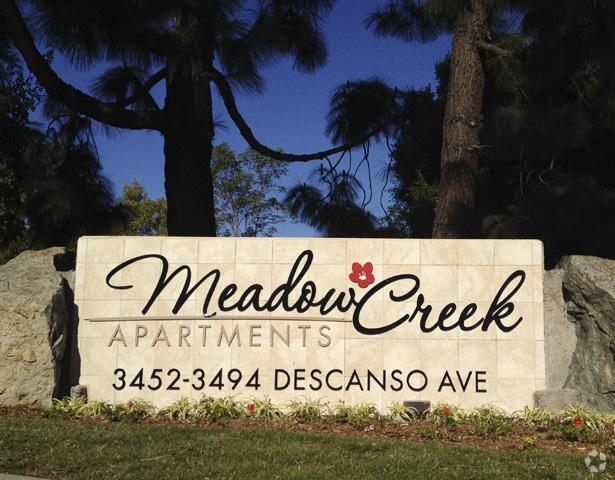meadow-creek-apartments-san-marcos-ca-entrance-sign.jpg