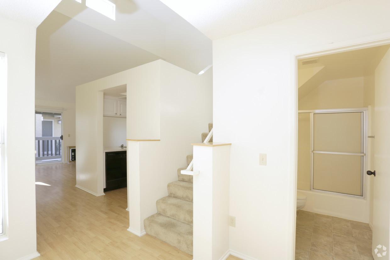benchmark-apartments-san-marcos-ca-1-bedroom-800sf (1).jpg