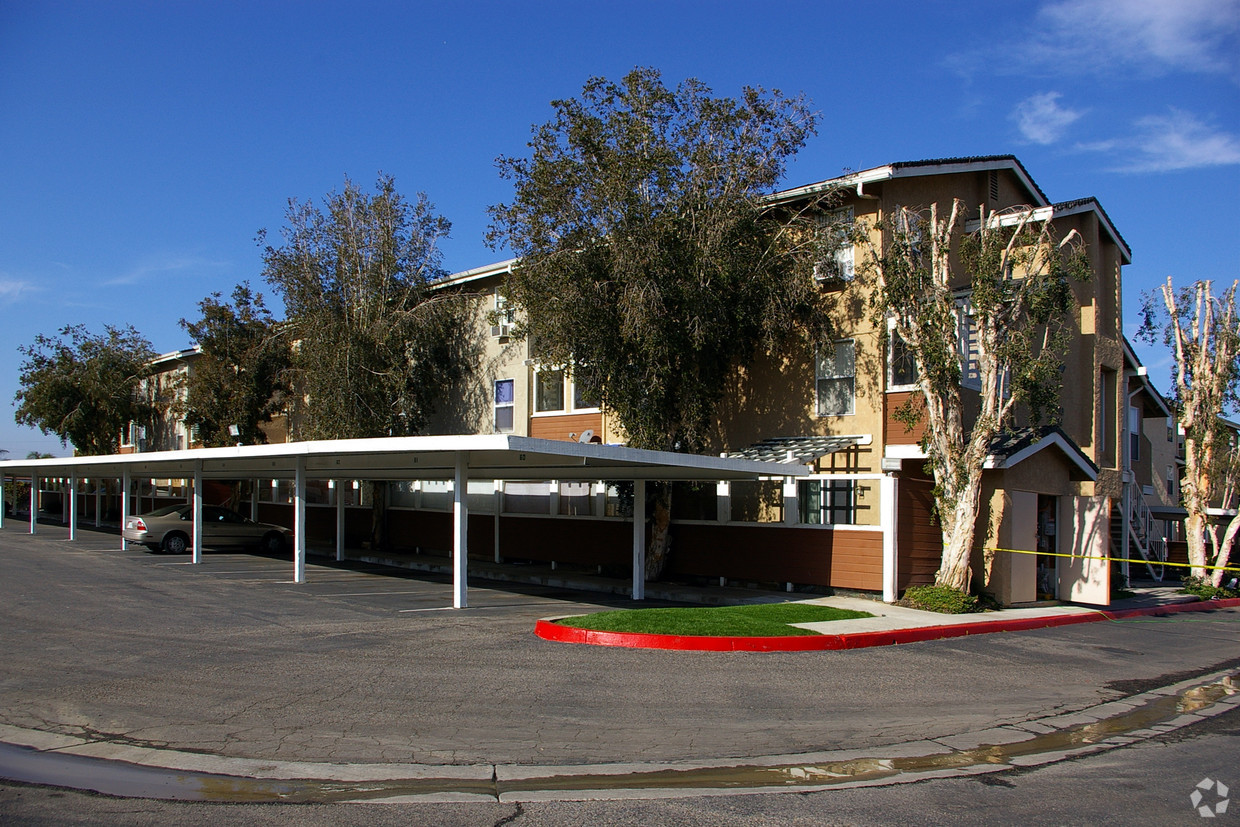 benchmark-apartments-san-marcos-ca-covered-parking.jpg