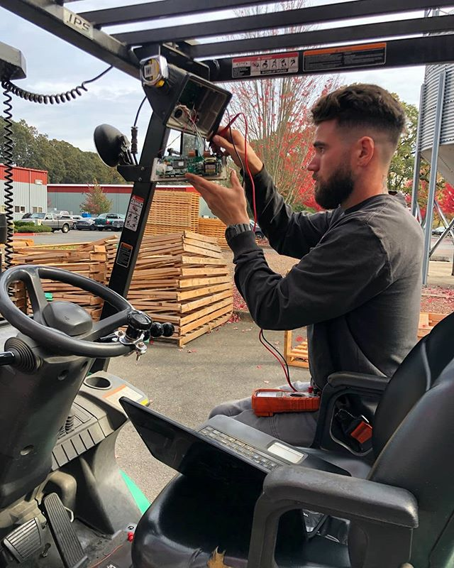 At American Scale Co we offer a wide variety of scale services. Here's a picture of one of our Techs working on a forklift scale. Whether it be a simple fix, or something more serious, our Techs are able to problem solve and provide a friendly and professional service.