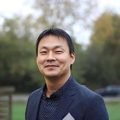 Sam DK Kim, DMD - Dr. Sam Kim, a military veteran, graduated in 2002 with his DMD, pursued a three year post-graduate residency program in Prosthodontics in 2007.