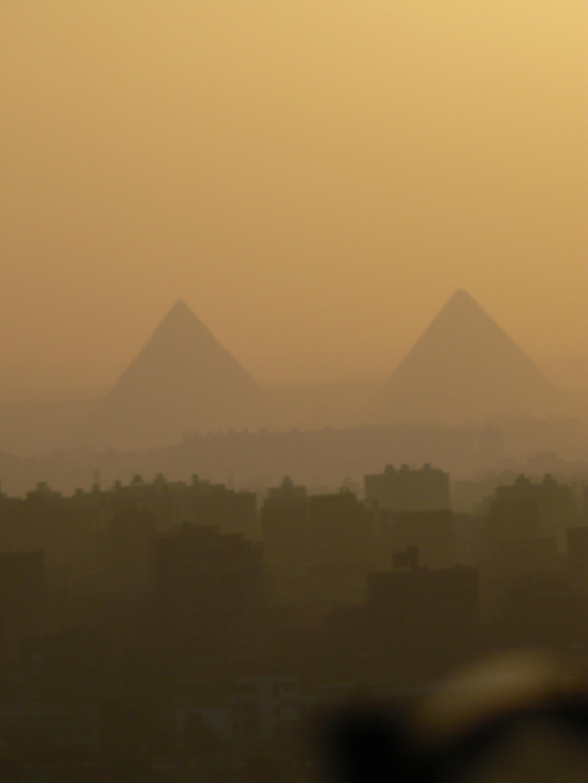 Pyramids in mist.P1130723.jpg