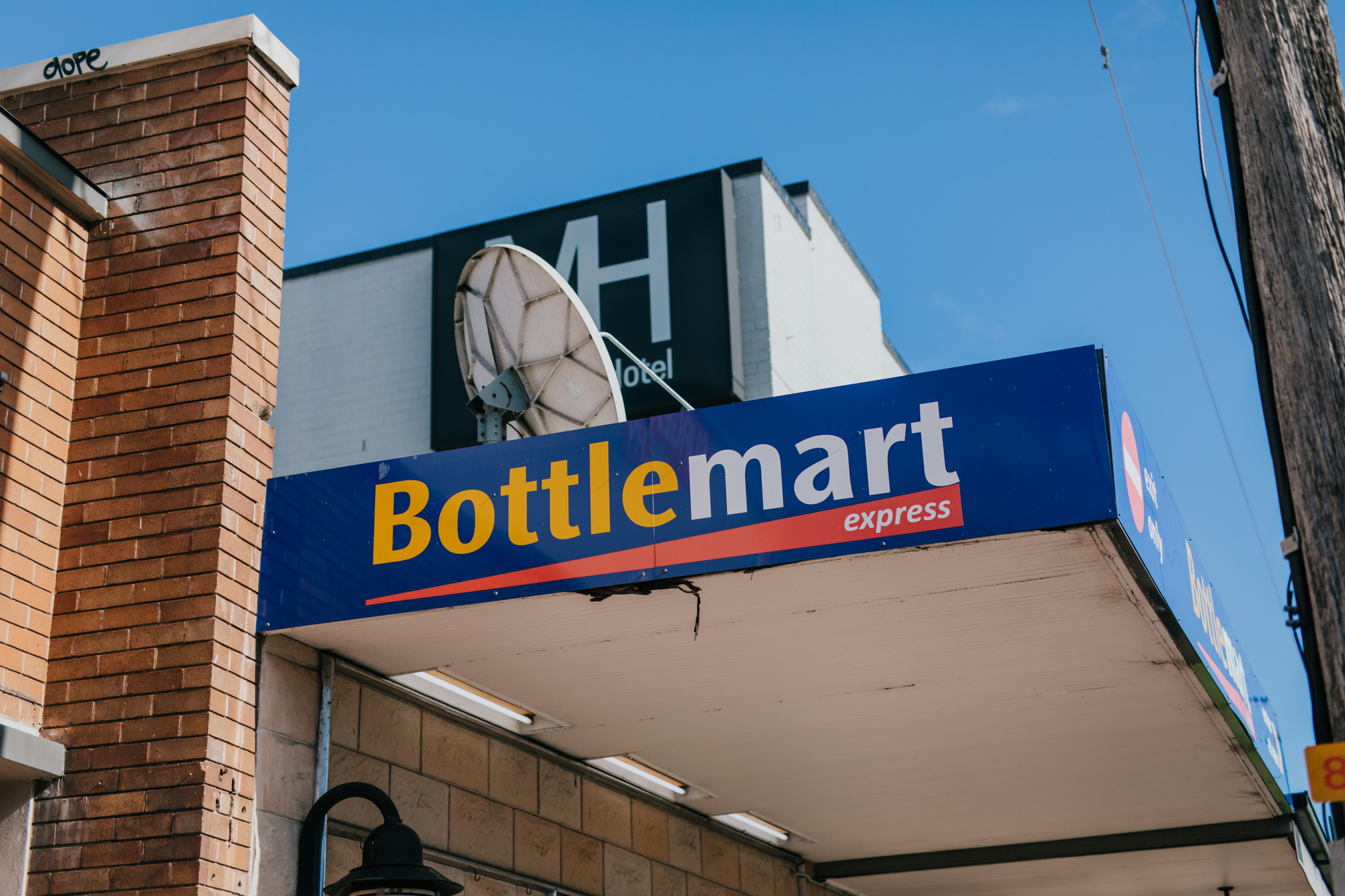 bottle shop - The Mayfield Hotel Bottlemart Bottleshop is your new local! Drive thru, open late and plenty of weekly specials and promotions.