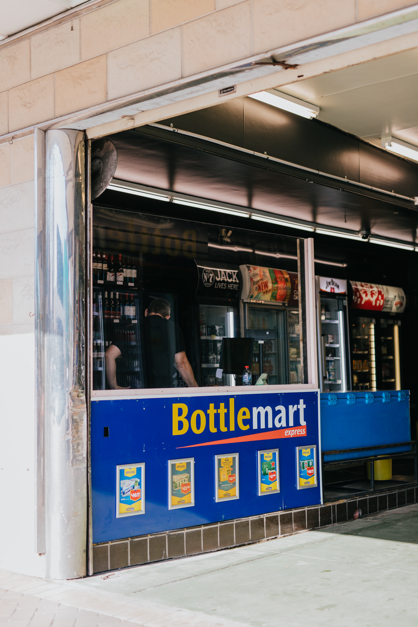 Bottlemart_Mayfield_Hotel