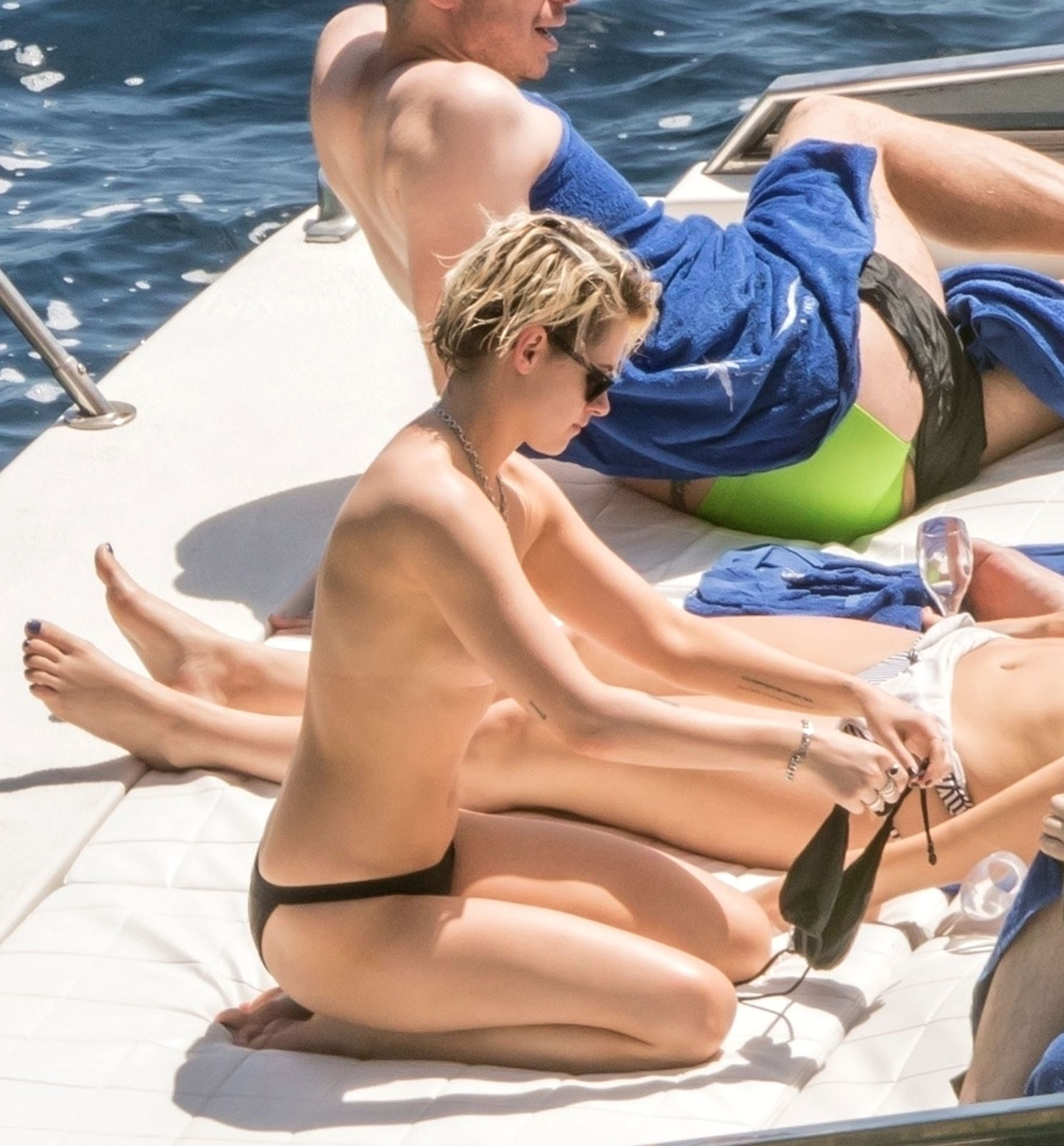 Kristen Stewart Topless on a Cruise Along the Amalfi Coast, Italy 07_14_19