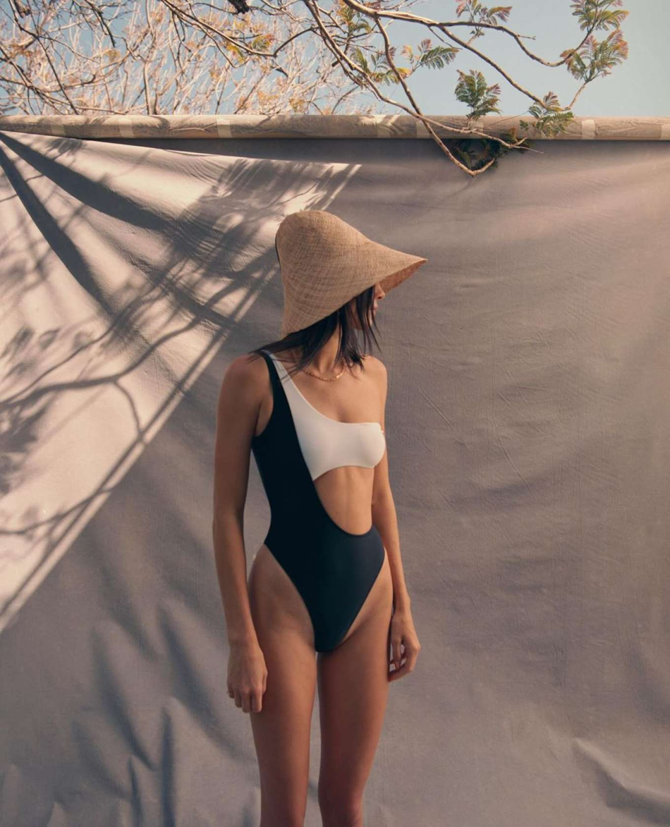 Kendall Jenner & Kylie Jenner - Kendall + Kylie Summer Collection 2019