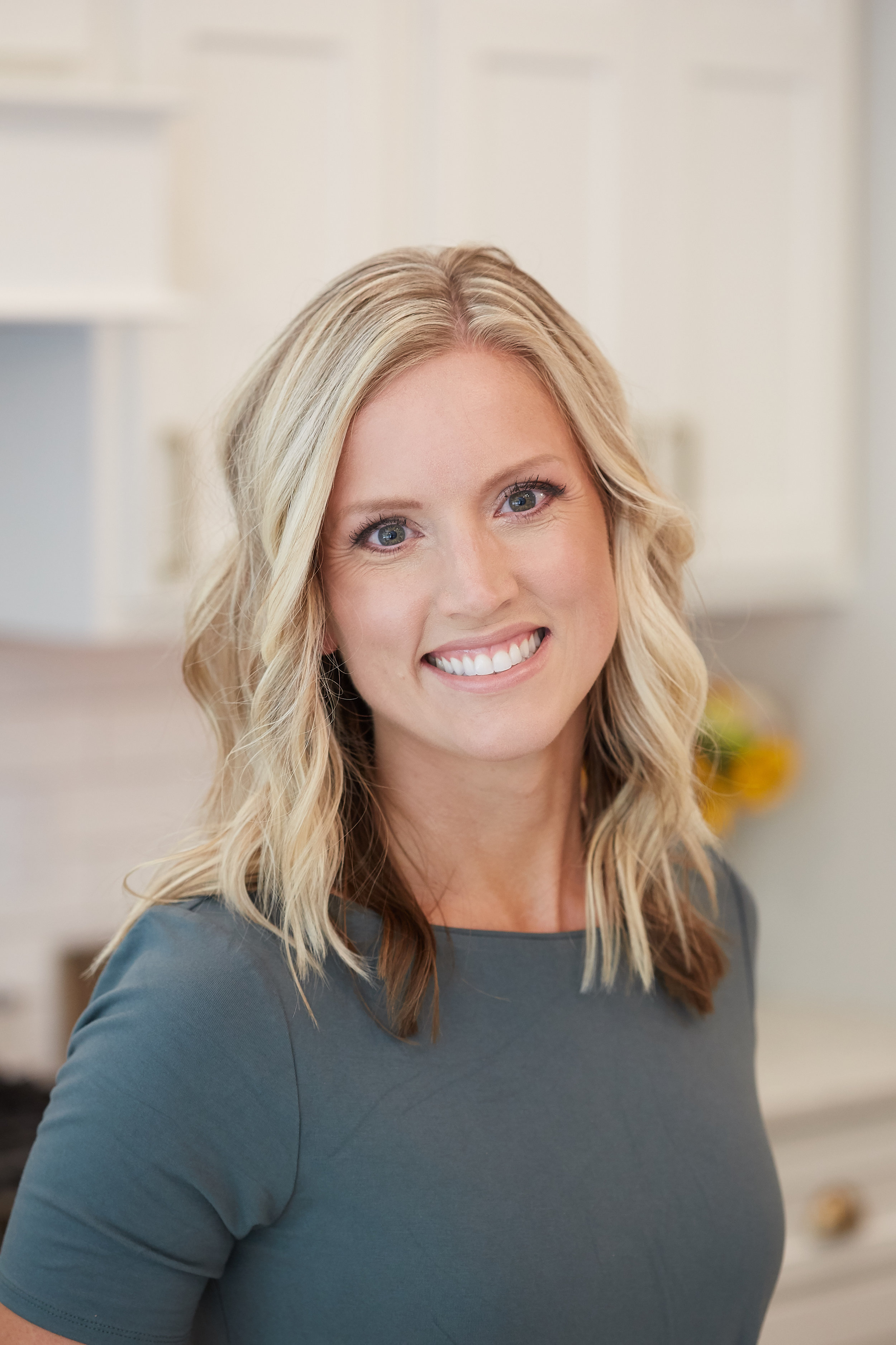 """Hi! My name is Jess. - Protein-loving, vegetable-obsessed, wife, mom, Registered Dietitian, marathoner, wanderlusting adventurer. I have a lot of titles. And I love them all.The best title I have? Life changer.You see my goal in life is to inspire, encourage, challenge and educate you to push yourself to reach YOUR goals, live your best life and rediscover the joy within yourself.My passion for nutrition began my senior year in high school. As a sports nut, I was eager to learn more about food and its effect on the body. More specifically my body. I wanted to learn how food (the """"right"""" foods that is) could help my sports performance. So my senior years I completely changed my eating habits.Gone were the days of cookies, junk food and other processed foods. Instead, I started preparing salads, fruits and lean proteins to take to track meets. I even started doing the grocery shopping and making meals for my parents! That track season, I flew past many of my self-imposed goals and even competed in the state track meet! (PS - I just missed beating the school record for the mile by 1 second!)"""