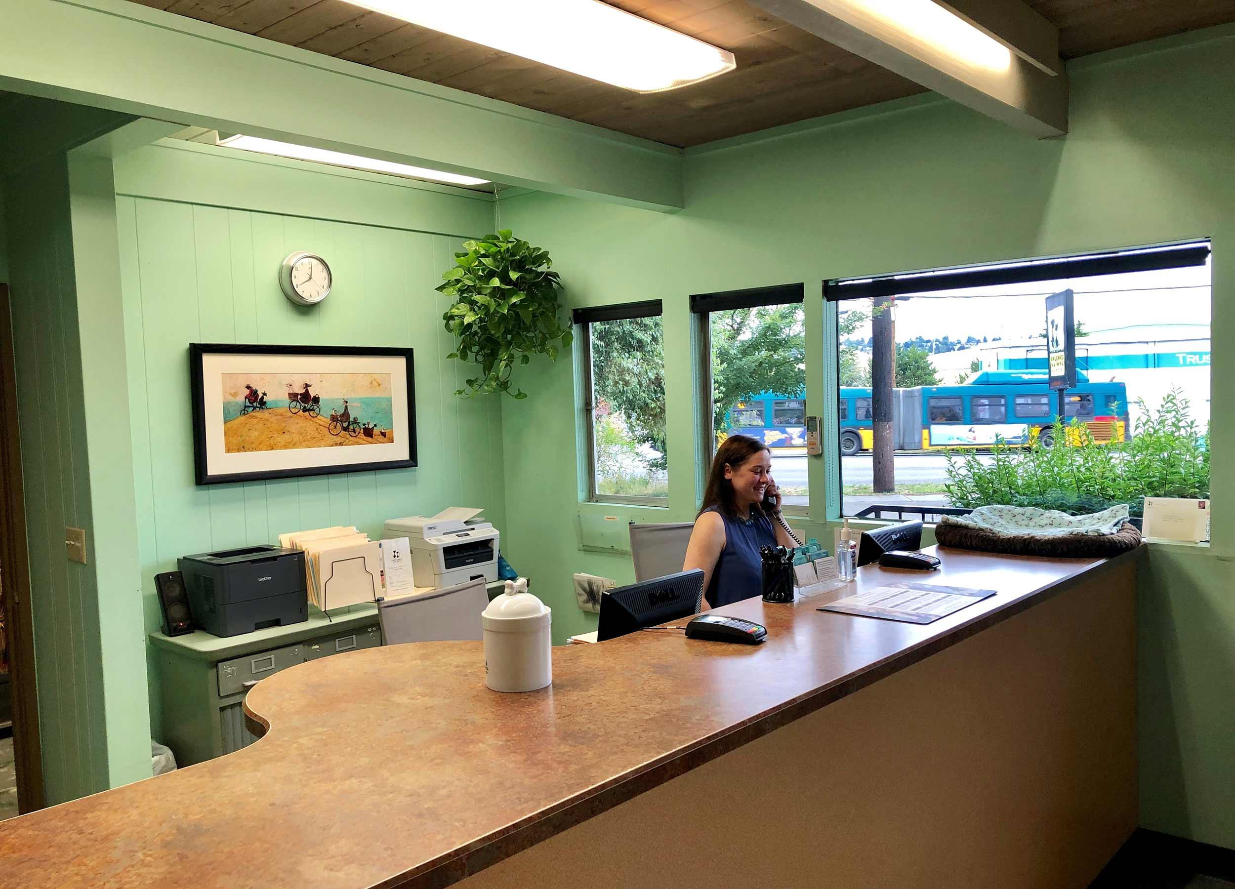 Ballard-Animal-Hospital-Reception.jpg
