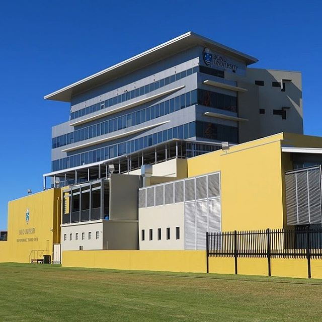 Institute of Health & Sport Building Repaint . . . . #goldcoast #gc #goldcoastpainter #buildingrestoration #commercialpainting