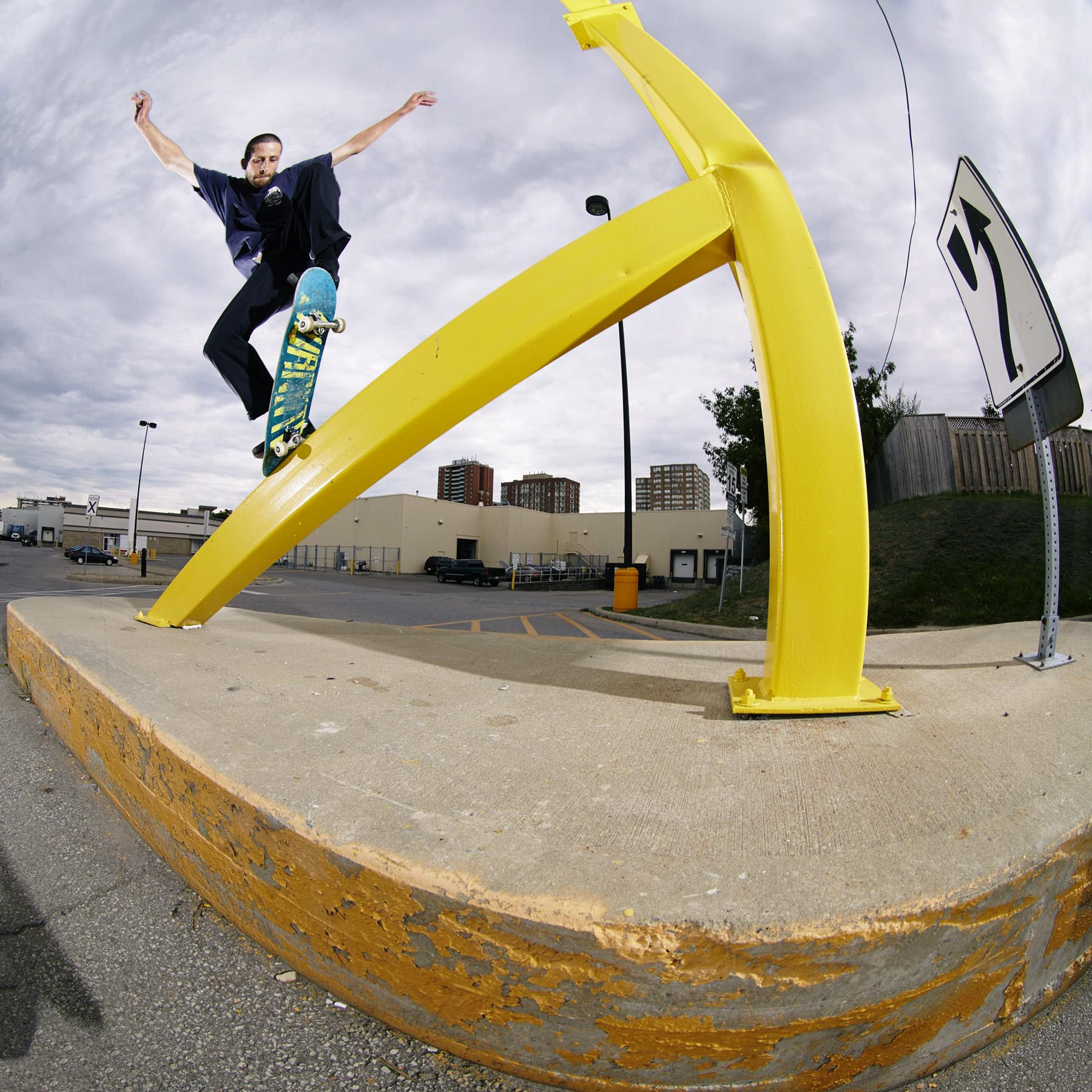 Ollie Up, Pole Jam - Toronto, Ontario - Photo: Will Jivcoff