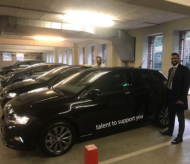 De gloednieuwe VW Polo's voor onze Toppers Kawish en Prasyant! Wij wensen jullie veel veilige kilometers toe!  Met dank aan @maasautogroep 🏎
