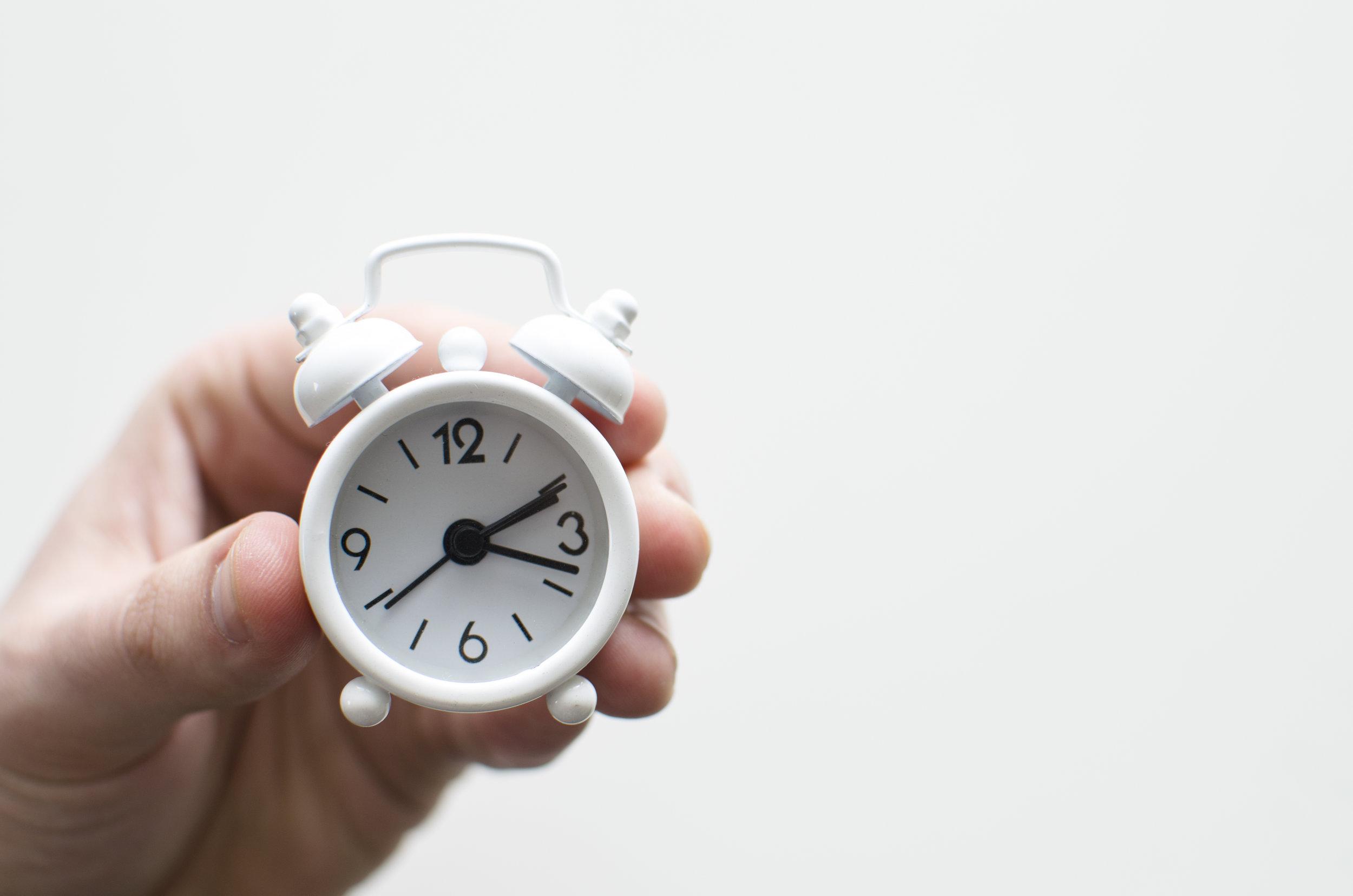 Tijd is geld - Opzij, opzij, opzij, maak plaats, maak plaats, maak plaats, we hebben ongelofelijke haast. Tijd is geld en dat weten onze beheerders. Niemand wil wachten en zéker niet op een systeem dat om de haverklap platligt. Itera-beheerders weten dit als geen ander. Daarom bereiden ze groot onderhoud goed voor en voeren ze het uit tijdens non-productieve uren. Alles zodat jouw systemen altijd draaien.