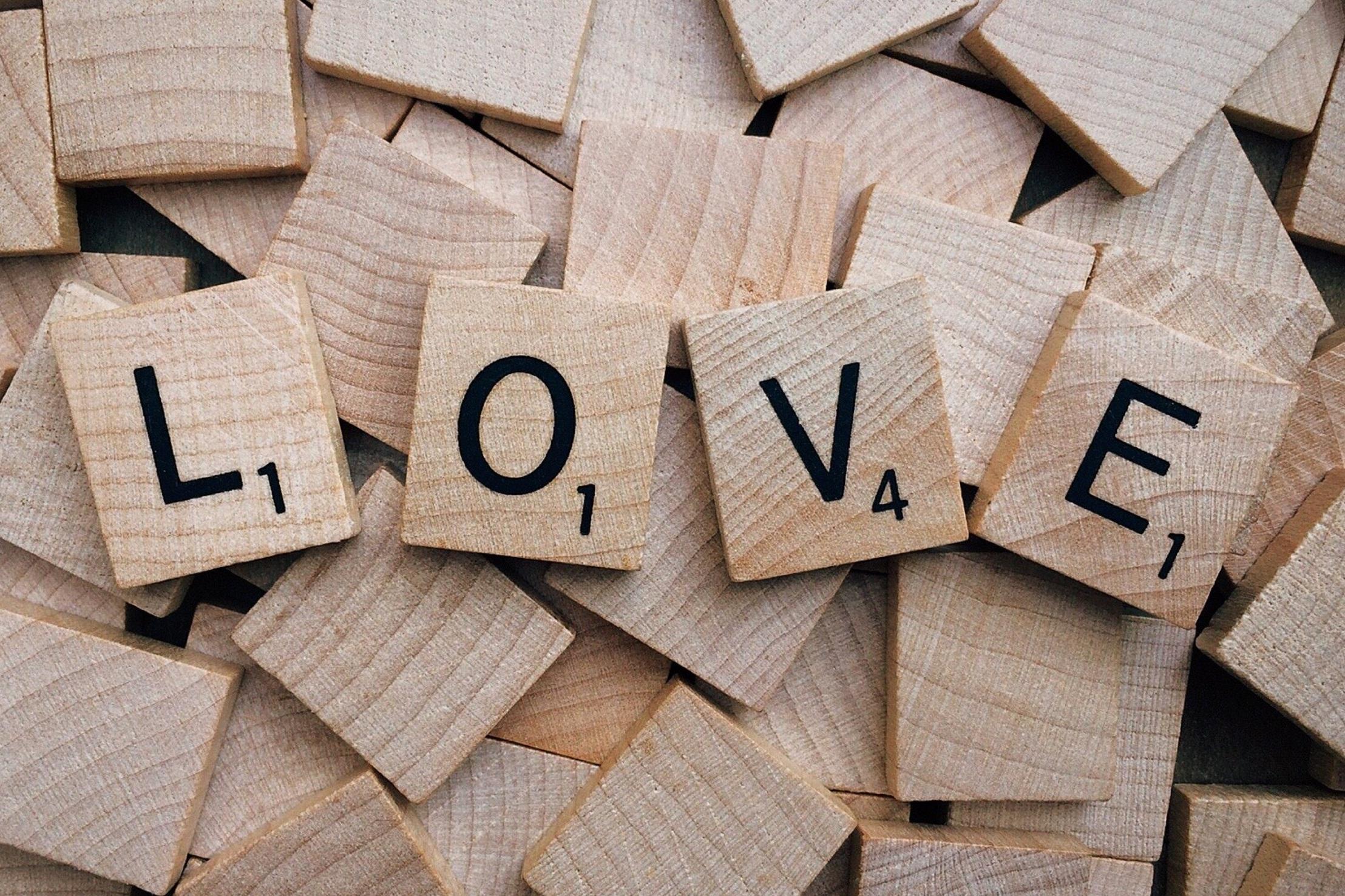 love-scrabble-wood-208099.jpg