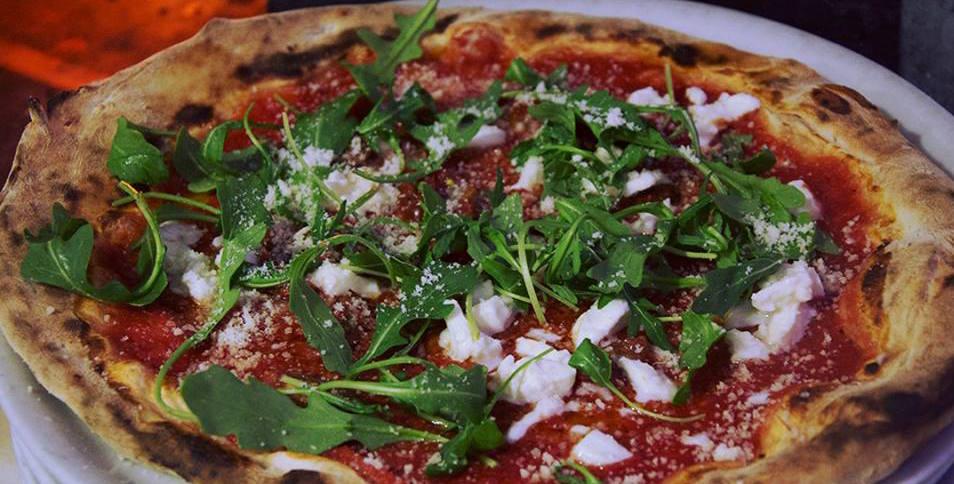 Pizzas sencillas y deliciosas - Calle Rosario, 27Tlf: 956 11 87 08Visita su Facebook