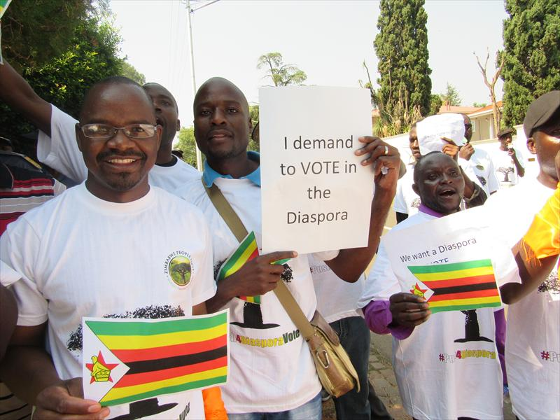 Protesters outside the Embassy of Zimbabwe, Pretoria, South Africa, 2016. Tshegofatso Ngobeni (Pretoria East Rekord).